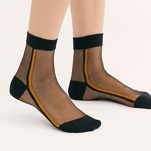 Tailored Union Voir Sheer Socks